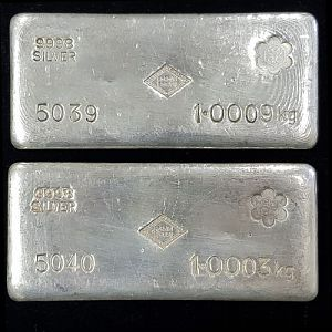 Auction 100 S.R. MITCHELL (SCCC Counter Stamp) 1 Kg Silver Cast Bar X 2 (Comes In Set)