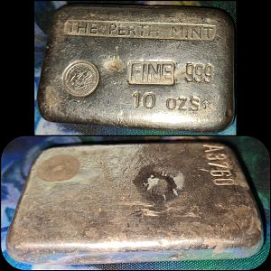 Left facing old style PM 10oz cast bar